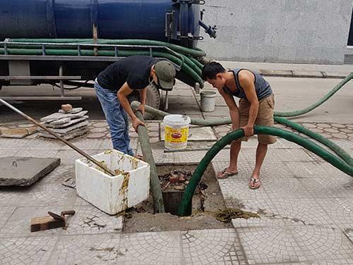 Hút bể phốt tại Linh Lang