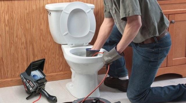 Tại sao hộ gia đình cần đến dịch vụ thông tắc vệ sinh?