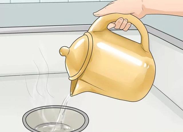 Cách thông cống bằng nước sôi
