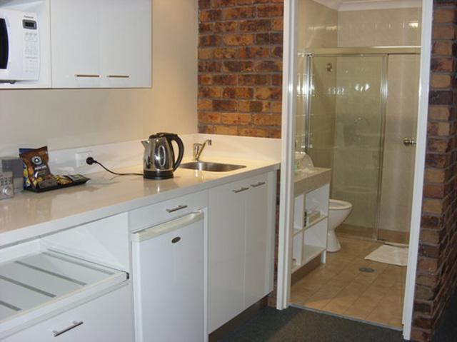 bếp dựa vào tường nhà vệ sinh 3
