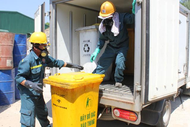 thu gom chất thải nguy hại 1