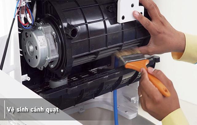 cách vệ sinh quạt hơi nước tại nhà 11