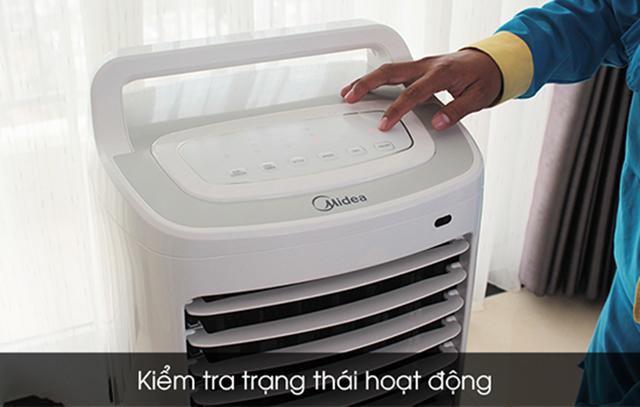cách vệ sinh quạt hơi nước tại nhà 2
