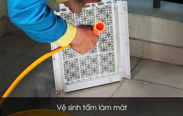 cách vệ sinh quạt hơi nước tại nhà 5